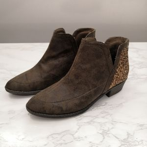 Justice Brown Faux Suede Glitter Booties Size 5
